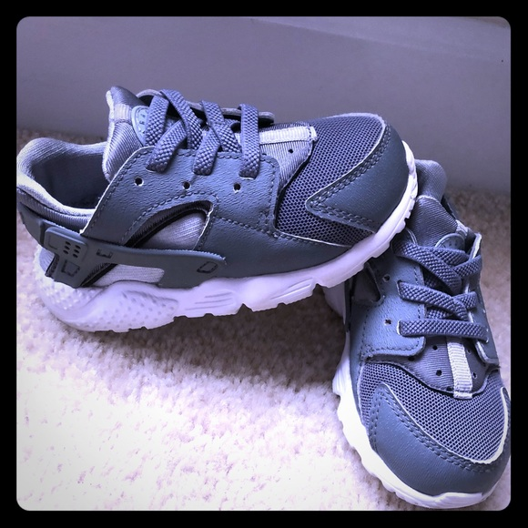 Grey Nike huarache toddler shoes sneakers